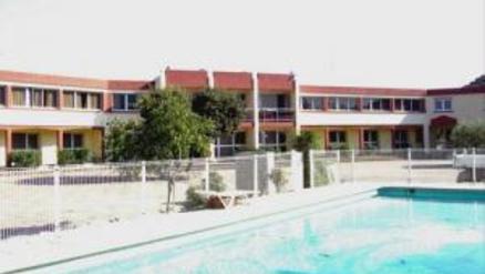 H tel le lagon site officiel de l 39 office de tourisme de for Hotel avignon piscine
